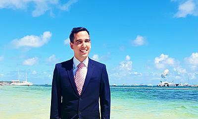 How to get into a top MBA program with a low GMAT score: Suntours CEO Christofer Gratz reveals his secret